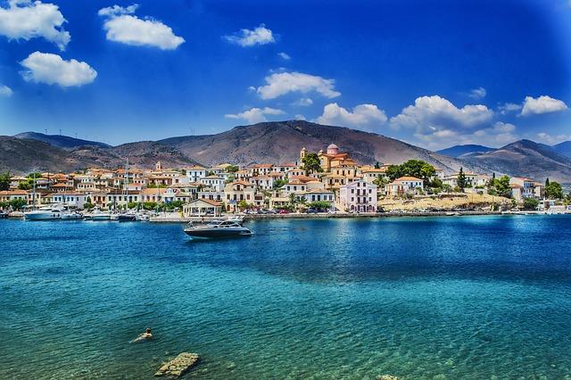 """יוון - נדל""""ן משתלם"""