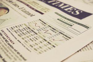 מנהלים השקעות בשוק ההון