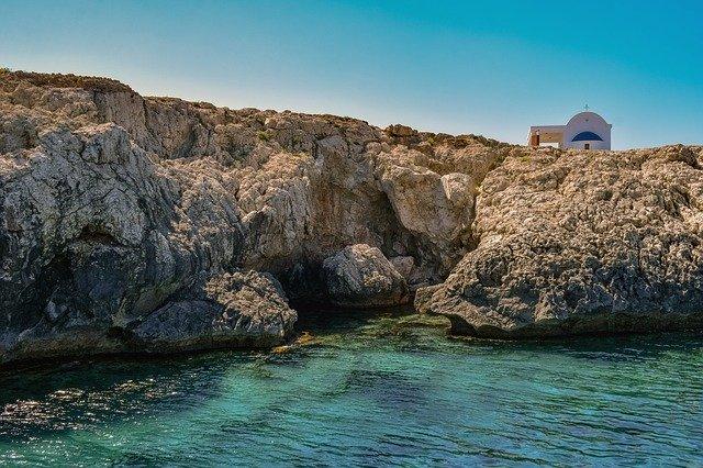 למה כדאי להשקיע בקפריסין